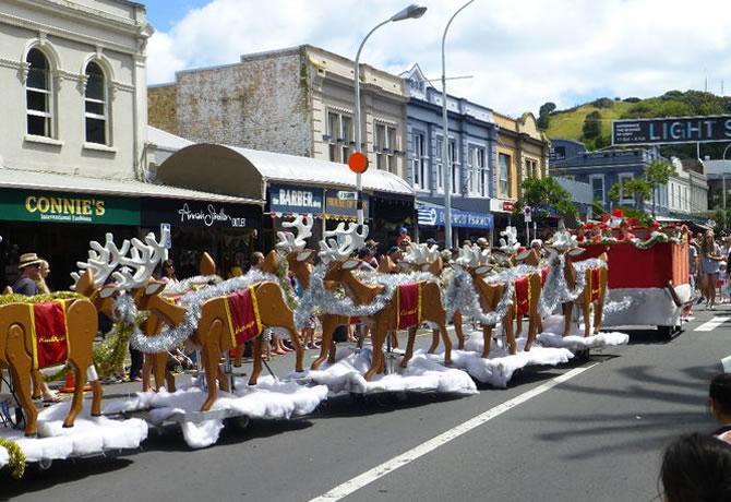 デボンポート サンタパレード クリスマスフェスティバル