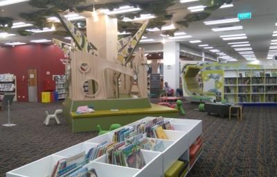 Auckland 図書館 CBD 本読み