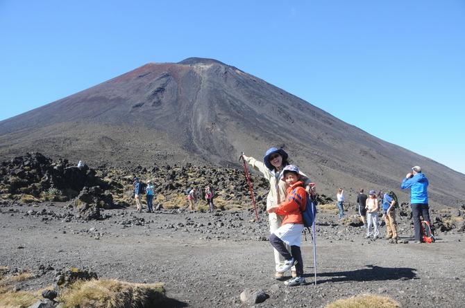 トンガリロ 噴火口 一日の登山