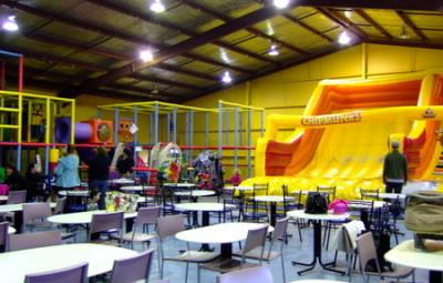 チップマンクス (Chipmunks Playland & Cafe)